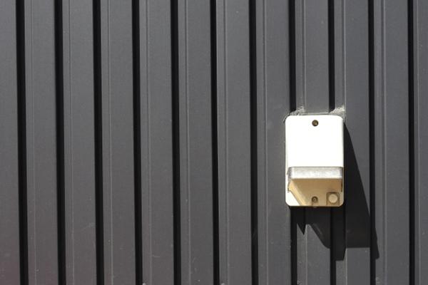 屋外、車庫、倉庫に電源を設置